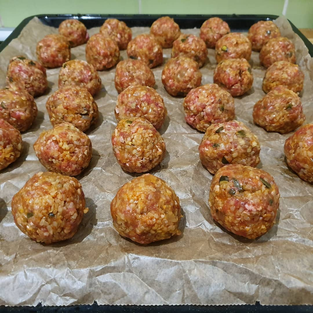 Meatballs night with a touch of lazy in the form
