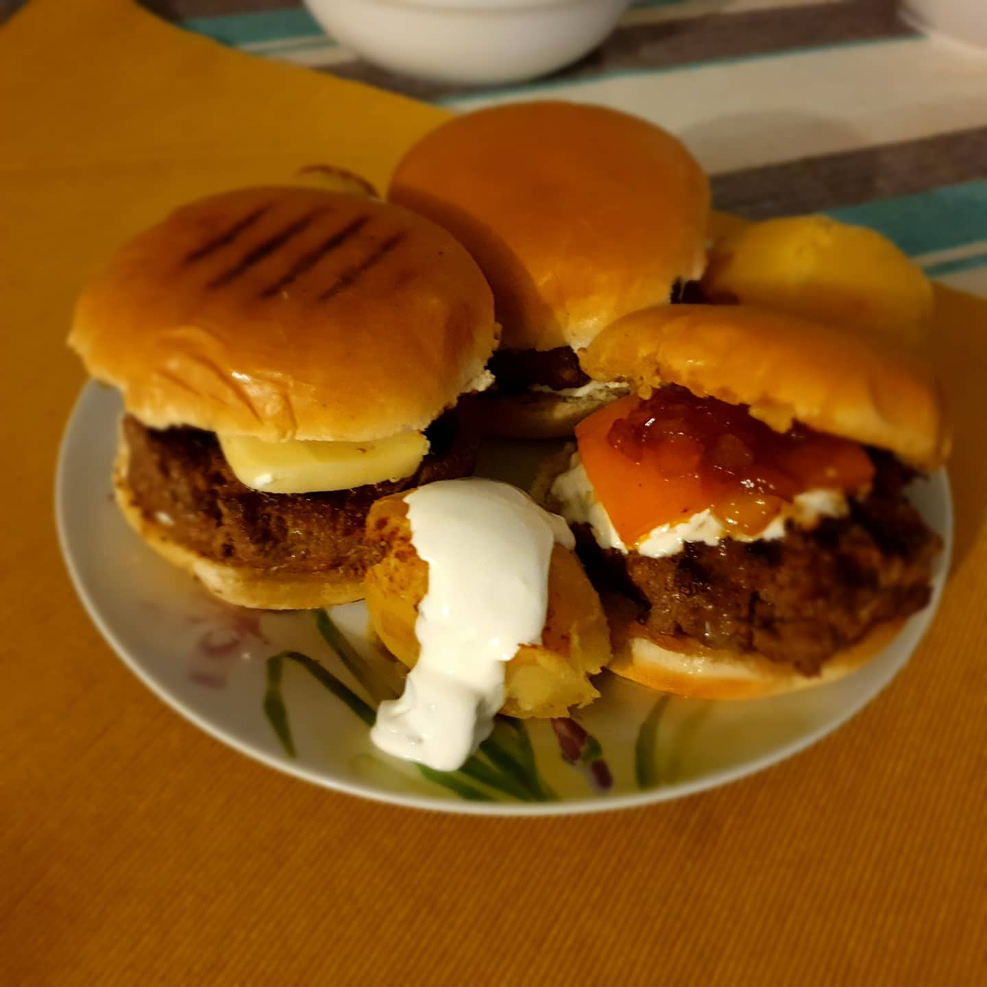 Burger @ home with a twist. Veal burger with a